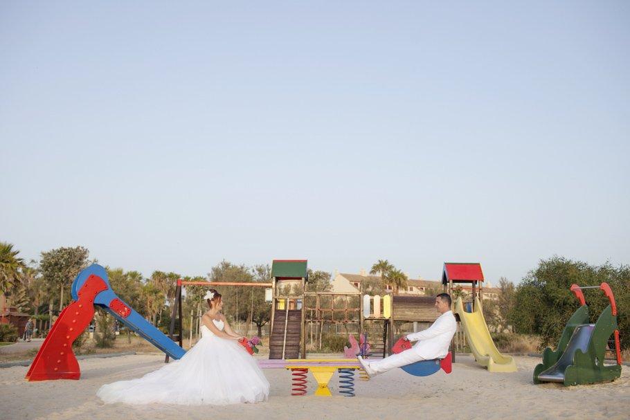 Boda en la playa de Rota Costa Ballena - Cuatro Corazones Fotografía por Juanlu Corrales