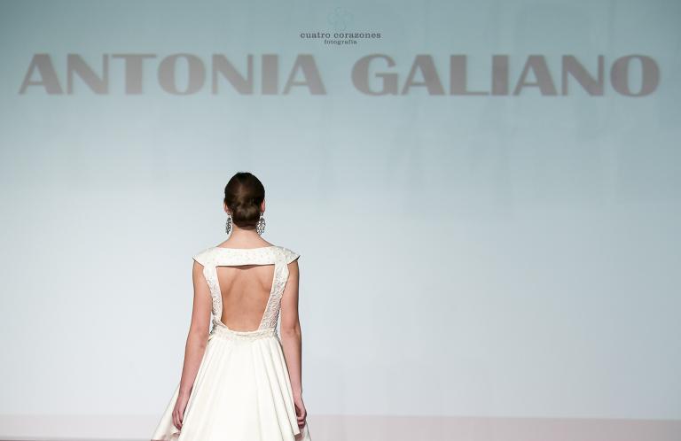Linda Malaga 2013 con Antonia Galiano y Rafael Urquiza - Cuatro Corazones Fotografía por Juanlu Corrales