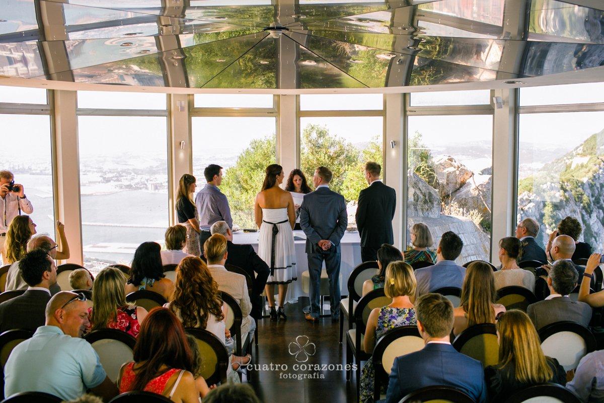 Boda en Gibraltar, Mons Calpe Suites y Alcaidesa Golf - Cuatro Corazones Fotografía por Juanlu Corrales