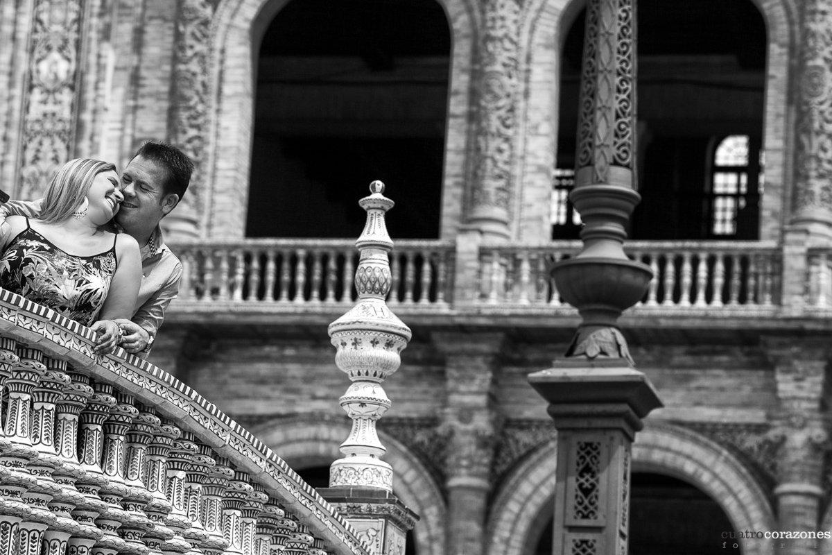 Fotos de Preboda en Sevilla en Plaza España y Reales Alcázares - Cuatro Corazones Fotografía por Juanlu Corrales.