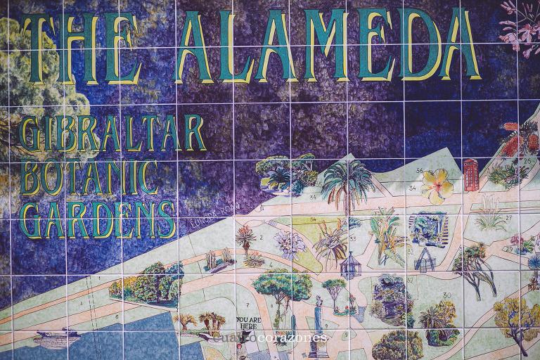 reportaje de comunión en Gibraltar Alameda Garden - Cuatro Corazones Fotografía por Juanlu Corrales