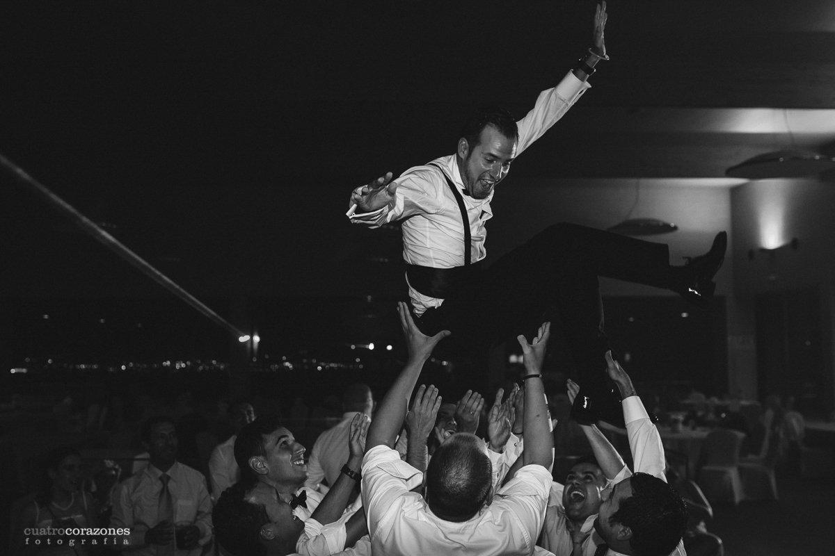 Boda en San Fernando y Bodegas Luis Perez de Jerez con Esther y Pablo - Cuatro Corazones Fotografía por Juanlu Corrales