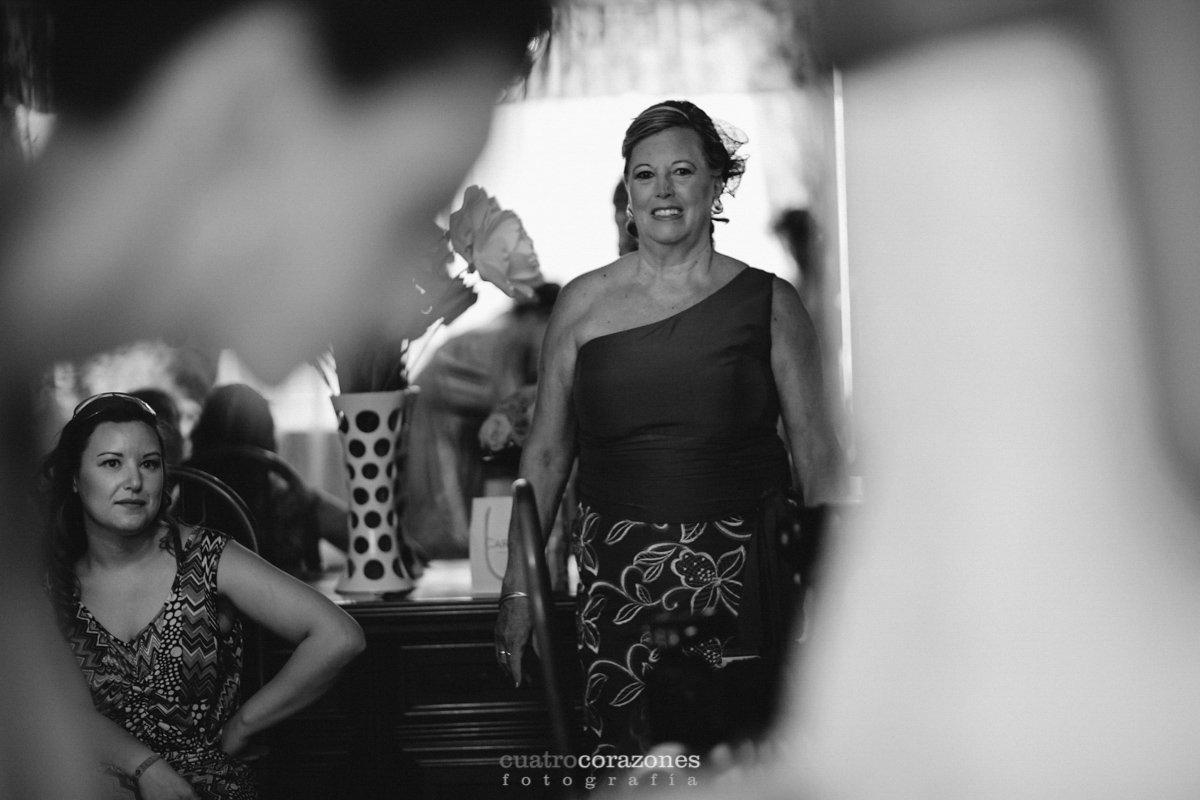 Boda en club de golf Alcaidesa e Parroquia de San Antonio de Padua de Algeciras - Cuatro Corazones Fotografía por Juanlu Corrales