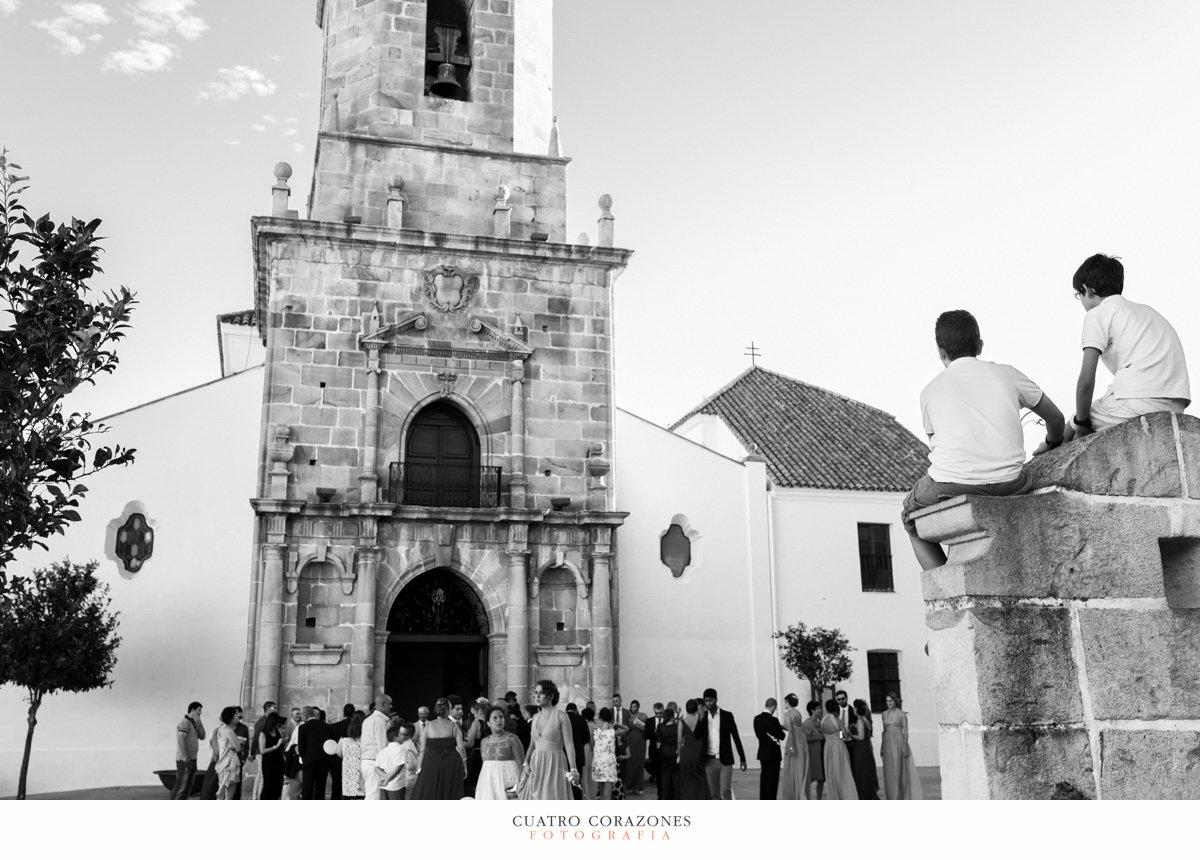 Boda en Los Barrios en la Iglesia de San Isidro Labrador y en Bahia Park Algeciras - Cuatro Corazones Fotografía por Juanlu Corrales