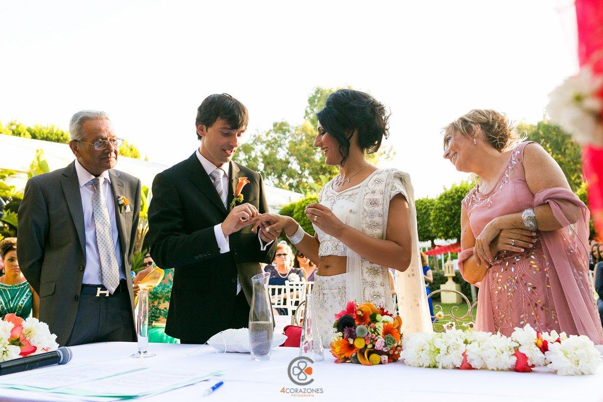 fotos de boda en el Hotel Almenara con Nico y Shilpi-cuatro-corazones-fotografia-juanlu-corrales