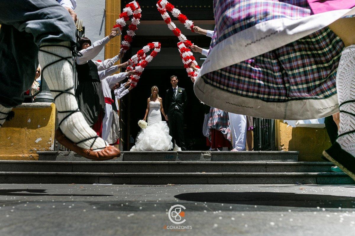 fotos de boda en san roque suites con Mikel y Mariola-cuatro-corazones-fotografia-juanlu-corrales