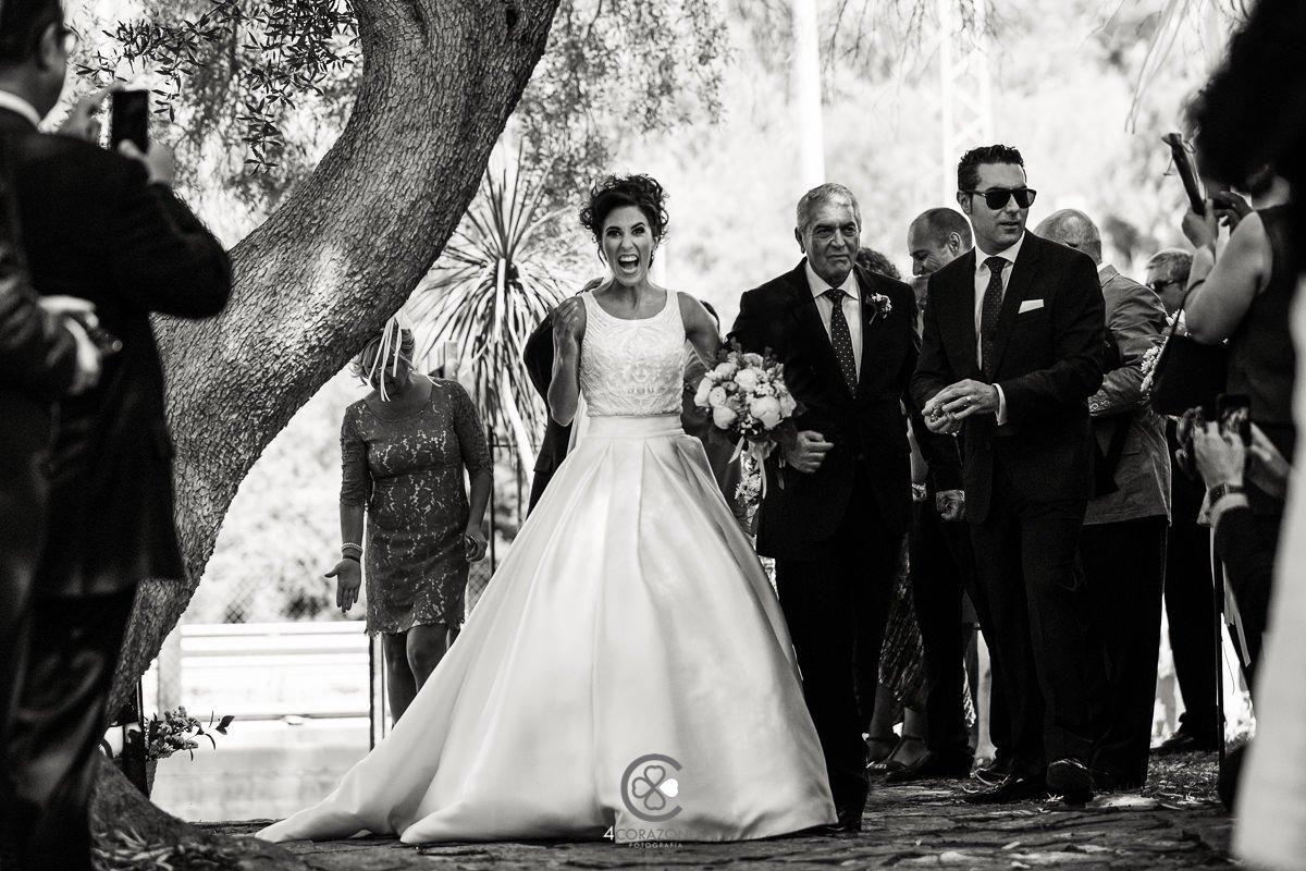 entrada triunfal en la boda de Adela en Hotel Guadacorte Park-001-cuatro-corazones-fotografia-juanlu-corrales