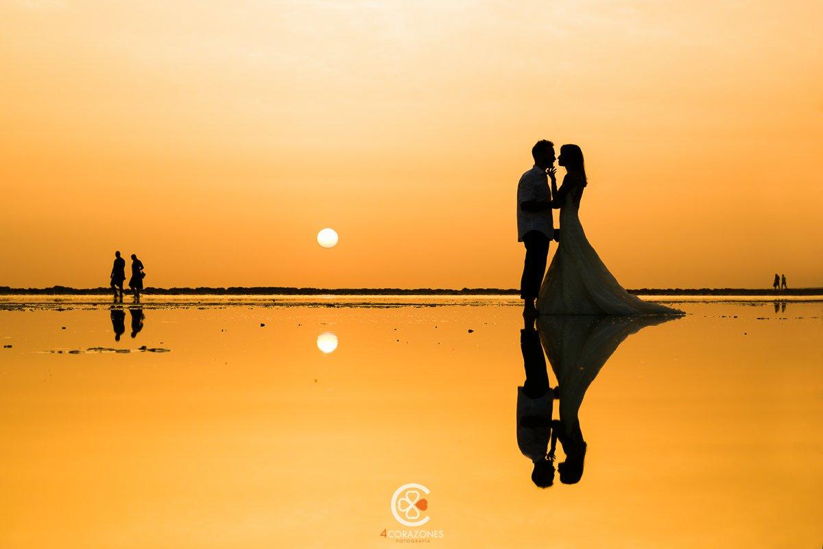 Atardecer en la playa - Postboda en Tarifa-001-cuatro-corazones-fotografia-juanlu-corrales