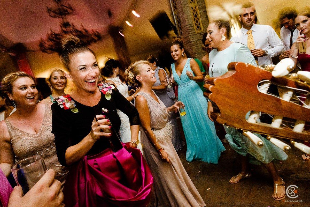 Fotos de boda en La Linea de la Concepción en salones El Coto-cuatro-corazones-fotografia-juanlu-corrales